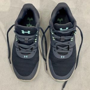 Under Armour Sneakers Size 7.5 Gray and Green